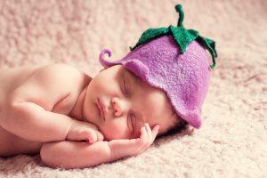 鼻呼吸する赤ちゃん